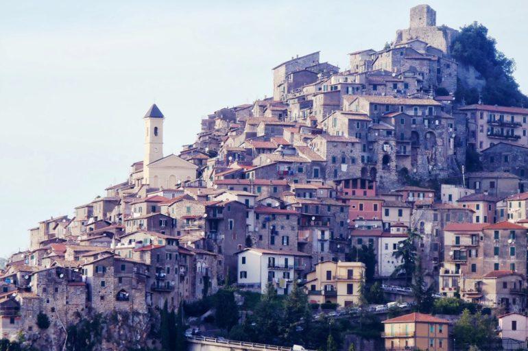 Bellegra i Artena – miejscowości zawieszone na skałach