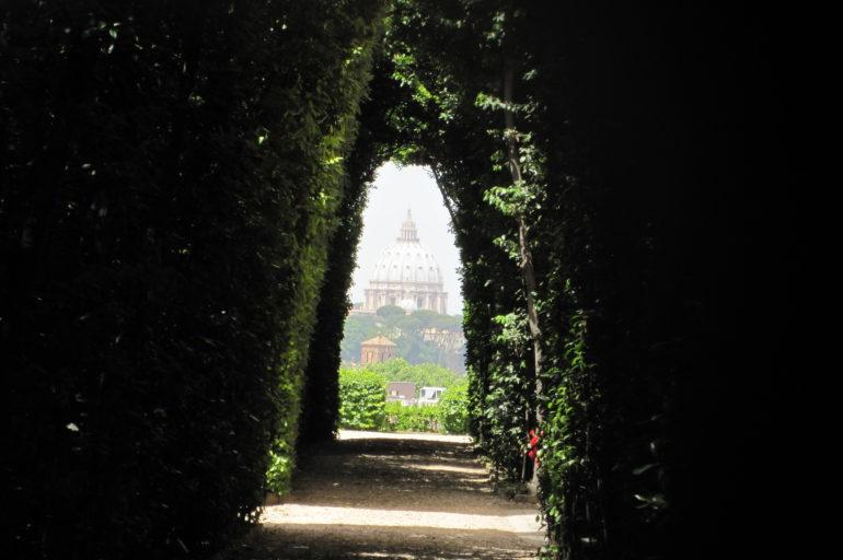 Rzym przez dziurkę od klucza