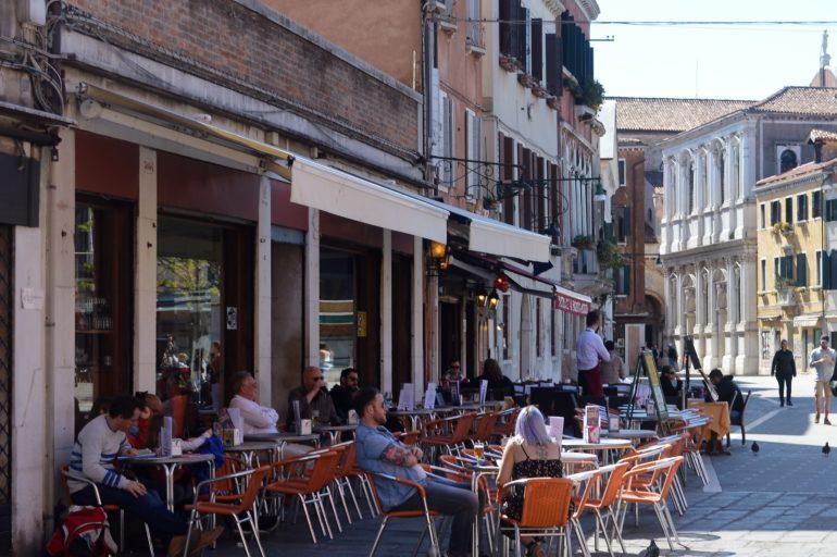 """Włoskie abecadło: """"b"""" jak """"bar"""" albo """"buongiorno"""""""