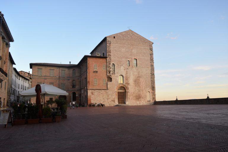 Poranek w Gubbio – opowiadanie
