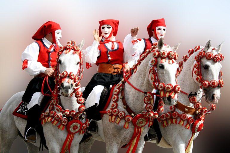 Karnawałowe maski na Sardynii